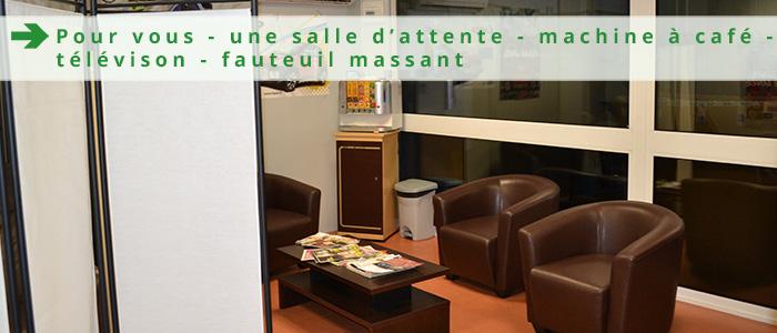 salle de détente - machine à café - fauteuil massant