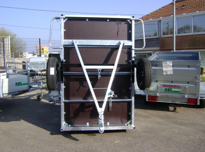 Remorque bois 1 essieu ptac 500 kg, flèche en V- vu de dessous