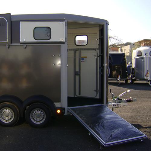 Van HB 506 - gamme HB - iforWilliams - sellerie